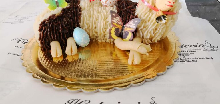 Pasta di mandorle in pasticceria